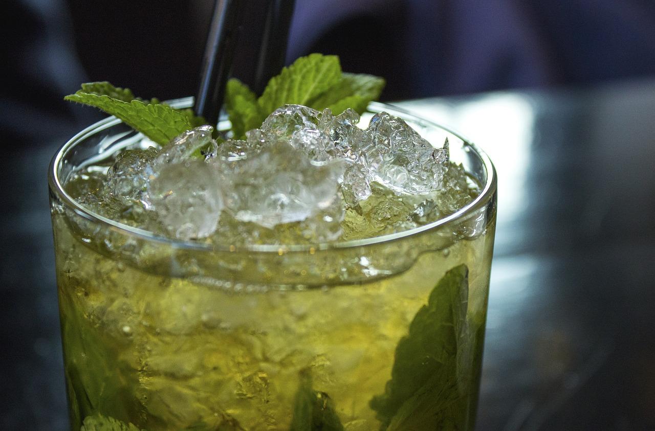 cocktail-2306939_1280.jpg