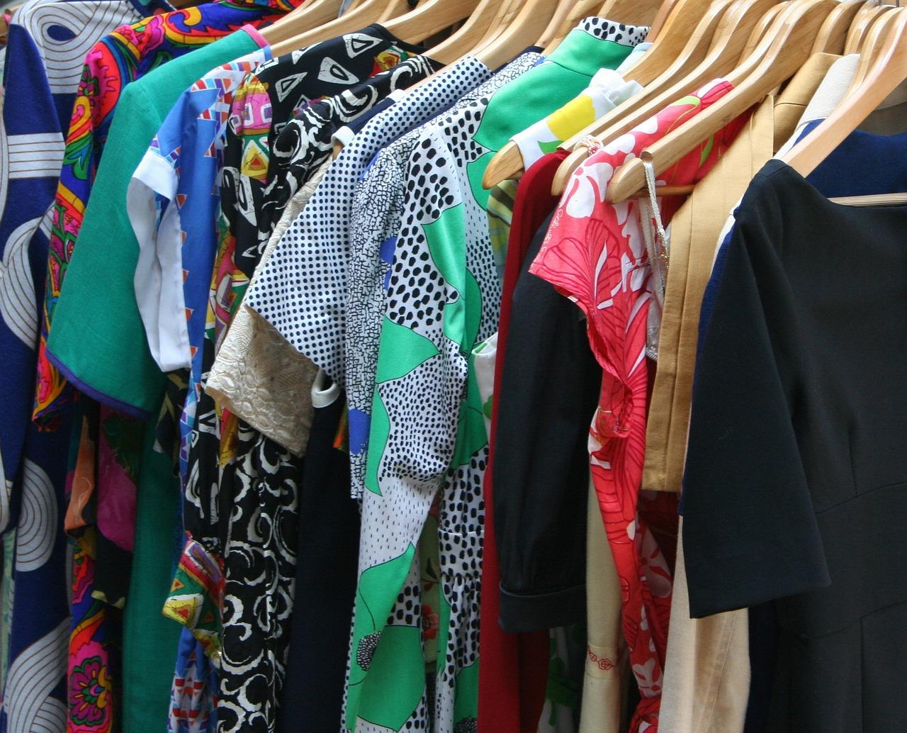 dresses-53319_1280.jpg